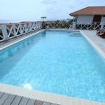 Zwembad bij appartement in curacao