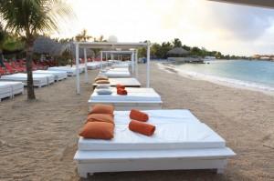 Chillen op cabana beach curacao